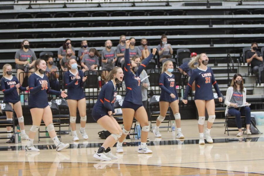 Volleyball Keeps Rolling Against Marion